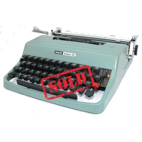 maquina-escribir-olivetti-lettera-32 copia